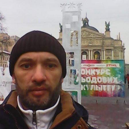 Богдан Б (Богдан Б), Чаплінек, Львів